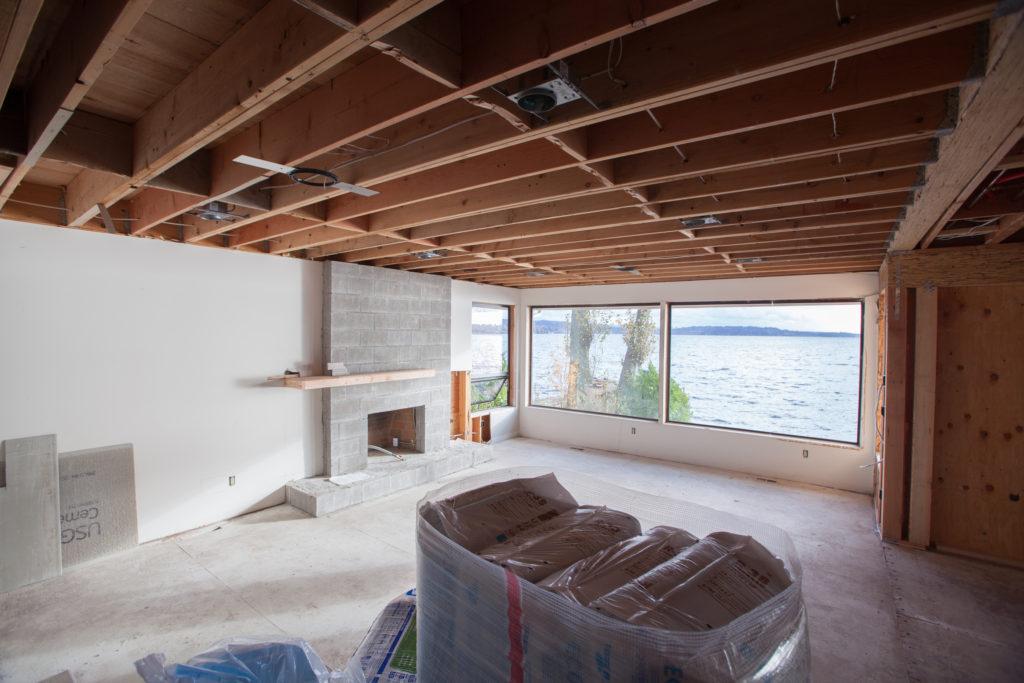 LIVING ROOM IN-CONSTRUCTION